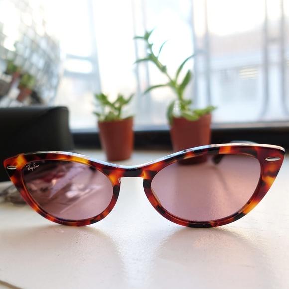 a18a633e62 Ray-Ban Nina Cateye Sunglasses. M 5c0e80858ad2f96a5c47c83e